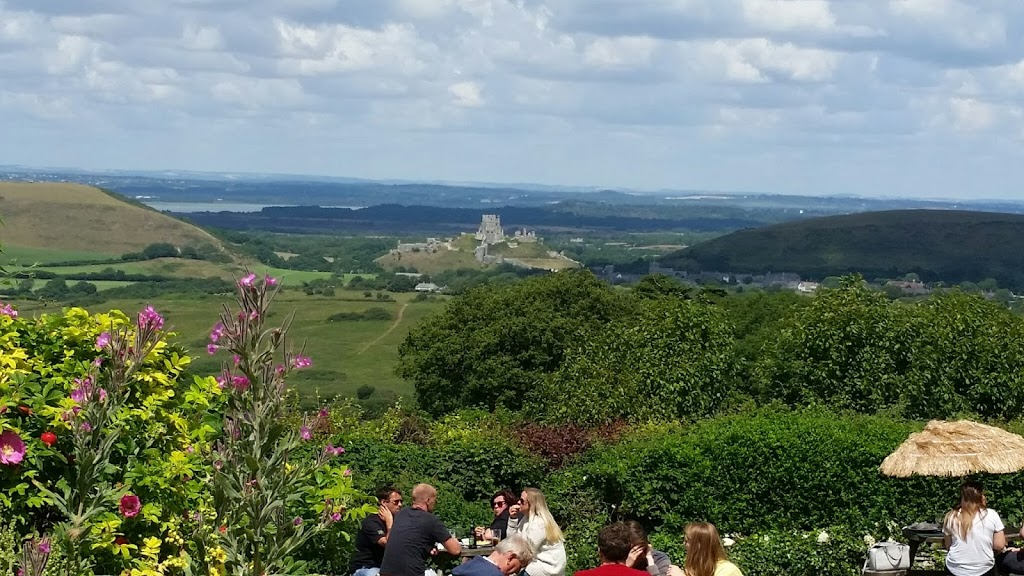 A summertime lunch with a view from Kingston to Corfe Castle